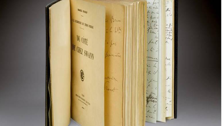 Σε δημοπρασία ο σπάνιος πρώτος τόμος του «Αναζητώντας τον χαμένο χρόνο» του Προυστ