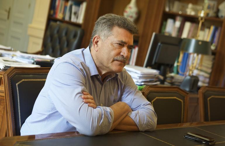 Ο Δήμαρχος της Κέρκυρας «Κώστας Νικολούζος» μιλά για το πιο ξεχωριστό νησί του Ιονίου.