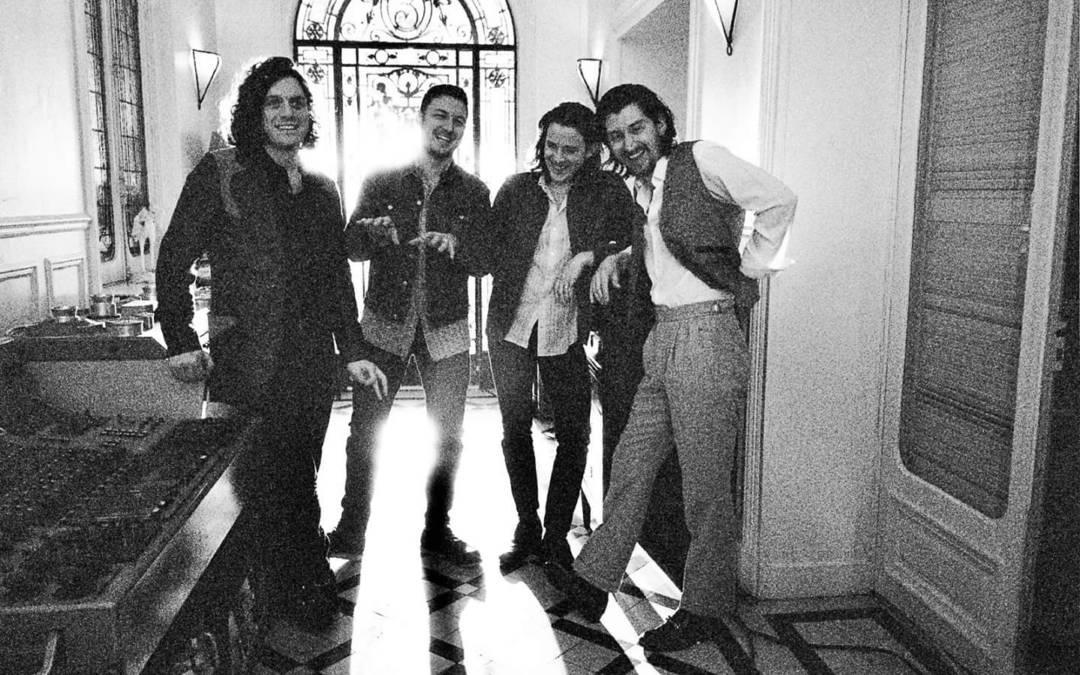 Αυτές τις φωτογραφίες των Arctic Monkeys δεν τις έχετε ξαναδεί!